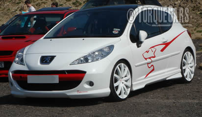 Tuning the Peugeot 207 review with the best performance parts